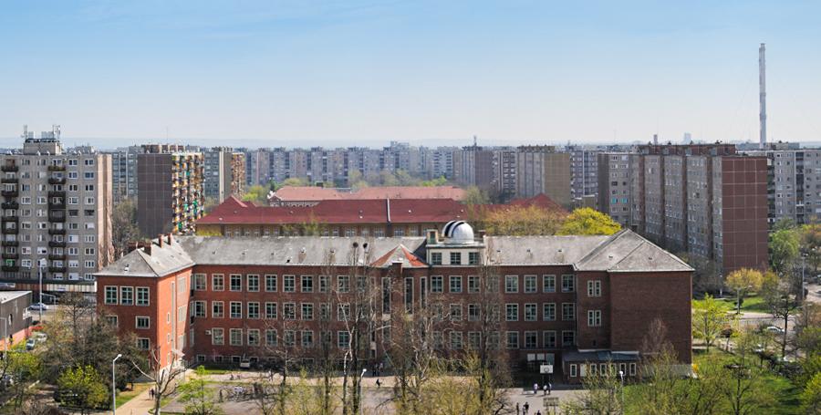 Könyves Kálmán Gimnázium, Újpest, csillagász kupola